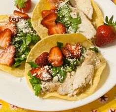 Chicken Spinach and Strawberry Tacos - Tex-Mex marinated grilled chicken, spinach in a lime vinaigrette, and plump, juicy strawberries. Sprinkle with feta if you like. So good - and easy! Allergy Free Recipes, Healthy Recipes, Spinach Tortilla, Marinated Grilled Chicken, Lime Vinaigrette, Spinach Stuffed Chicken, Tex Mex, Food Allergies, Raw Vegan