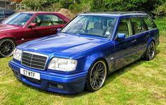 Mercedes-Benz W124 Estate Stance