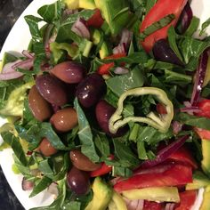 Spinach and Kalamata Salad with Sweet Lemon Dressing Archives - The Art of Living