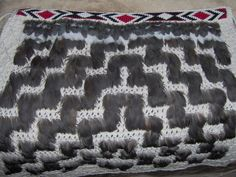 This is a really cool pattern and I really like how it looks like steps and waves ascending and descending. It looks beautiful and its really cool Flax Weaving, Weaving Art, Maori Patterns, Cool Patterns, Maori Designs, Maori Art, Kiwiana, Creative Inspiration, Old And New