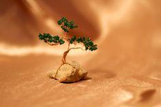 Дерево жизни из проволоки и бисера