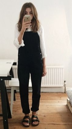 Casual Outfits, Fashion Outfits, Womens Fashion, Second Hand Fashion, Brittany Bathgate, Minimal Wardrobe, Professional Outfits, Dungarees, Autumn