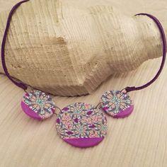 Polymer clay necklace by De repente ella.