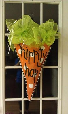 Easter Burlap Door Hanger by aunthaleyshabit on Etsy, $20.00