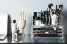Muji Drawers for Make-up through lipstickwithsomes. Make Up Organizer, Make Up Storage, Storage Caddy, Storage Mirror, Storage Boxes, Makeup Vanities, Bathroom Vanities, Makeup Desk, Makeup Rooms