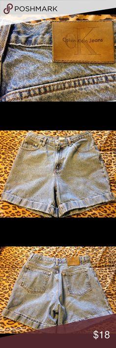 CK Calvin Klein Cuffed Mom Shorts Size 9/10 Calvin Klein Cuffed Mom Shorts Size 9/10 Shows Some Wear at the cuff. Calvin Klein Shorts Jean Shorts
