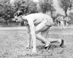Perry Williams (CAN). Primer hombre en correr en 10,3s (9agosto 1930), superado por Jesse Owens  seis años más tarde. Campeón olímpico en 100 y 200 m. lisos en Amsterdam'28.