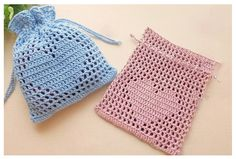 Booties to Crochet – Step by Step Guide - Design Peak Crochet Sachet, Crochet Pouch, Crochet Purses, Filet Crochet, Crochet Gifts, Crochet Stitches, Crochet Baby, Knit Crochet, Crochet Home