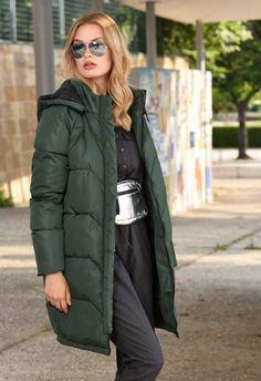 Winter Jackets, Lady, Collection, Fashion, Winter Coats, Moda, Fashion Styles, Fashion Illustrations, Fashion Models