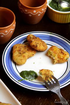 Sooji Cutlets/ Rava Cutlets suji cutlet recipe or rawa cutlets recipe. Easy cutlet recipes made with sooji or rawa. Healthy Snacks To Make, Vegetarian Appetizers, Vegetarian Recipes, Vegetarian Starters, Quick Snacks, Healthy Food, Easy Indian Snacks, Indian Appetizers, Veg Recipes Of India
