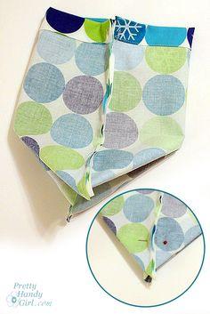 pleated = flat square bottom Drawstring bag