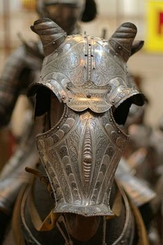 Armature Animali bad you can't bring animals into the festival :( Helmet Armor, Suit Of Armor, Arm Armor, Body Armor, Ancient Armor, Medieval Armor, Medieval Horse, Armadura Medieval, Knight In Shining Armor