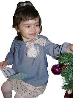 Robe sur-mesure romantique pour petite fille en taille 3 ans. contact@valeriehacquin.com