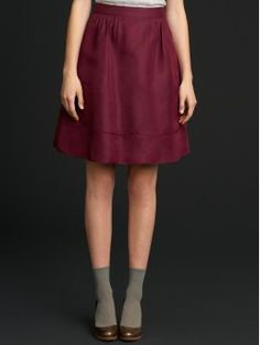 The 14 & 16 sold out right away. This should tell Banana Republic that they need to make plus sizes. This skirt is so fucking cute!