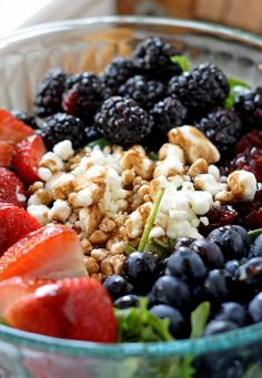Berry and Goat Cheese Salad | www.honeyandbirch.com | #healthy
