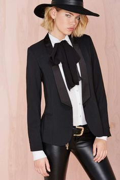 Nasty Gal Own It Blazer- I love the whole outfit Estilo Fashion, Love Fashion, Ideias Fashion, Fashion Looks, Fashion Outfits, Suits For Women, Clothes For Women, Sale Clothes, Look Formal