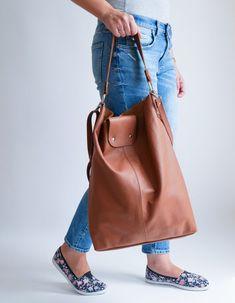 OVERSIZE Brown SHOPPER Bag Large Leather Shopper Light   Etsy Soft Leather Handbags, Leather Purses, Leather Bag, Large Tote, Large Bags, Shopper Bag, Tote Bag, Leather Fashion, Leather Shoulder Bag