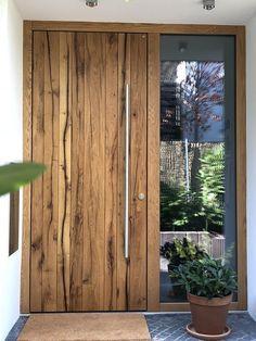 Doors wood - Security door realized with KfW funding for burglary protection! door from real solid Germa - House Front Door, House Doors, House Entrance, Entrance Doors, The Doors, Contemporary Front Doors, Modern Front Door, Modern Entryway, Rustic Contemporary