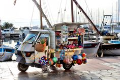 "Apecar - the business of the future is ""itinerant"", good idea in these times of crisis - Port of Sanary-sur-mer, France"