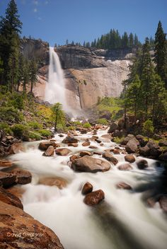 Yosemite, Nevada Falls places-i-want-to-go Beautiful Waterfalls, Beautiful Landscapes, Dream Vacations, Vacation Spots, Great Places, Places To See, Places Around The World, Around The Worlds, Beautiful World