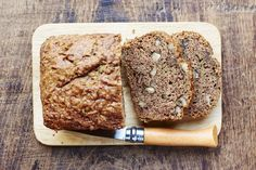 This Low-Carb Banana Bread Recipe is Gluten Free and Delicious