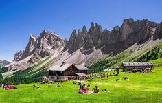 Foto: Le Odle da Malga Brogles, Val di Funes, provincia di Bolzano, Alto Adige…