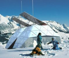 SnowCrystals – A modern mountain hut for eco-conscious skiers