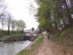 blog post about Cycling the Canal du Midi, France