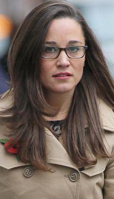 Pippa Middleton in glasses...cute!
