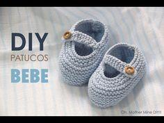 Clases de costura online gratis :D Booties Crochet, Crochet Shoes, Crochet Baby Hats, Baby Knitting Patterns, Knit Baby Shoes, Baby Boots, Knitting Videos, Crochet Videos, Gestrickte Booties