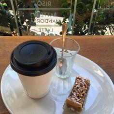 PASTINA ALLE MANDORLE SEDUTI E POI COFFEE TO GO!!! ☕️☕️☕️☕️ #goodmorning #goodmorningpost #colazionesana #colazione #breakfast #breakfasttime #breakfastlover #coffee #coffetogo #monday #mondaymood