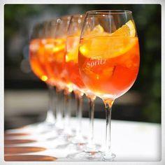 Aperol Spritz, en dan het liefst op een fijn plekje in de zon :)