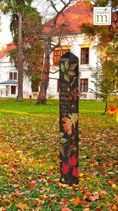 This vibrant Autumn Symphony Art Pole will bring out the bold colors of fall in your garden or yard at home. Outdoor Crafts, Outdoor Projects, Autumn Art, Autumn Garden, Unique Garden Decor, Garden Poles, Pole Art, Garden Structures, Glass Garden