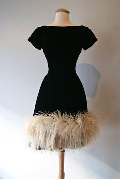 "But it is actually a vintage dress. As big a ""wow"" factor as it had 55 years ago! Black Velvet ostrich high-end vintage 1960s Fashion, Look Fashion, Vintage Fashion, Womens Fashion, Feminine Fashion, Vintage Outfits, Vintage Dresses 1960s, Vintage Clothing, Pretty Dresses"