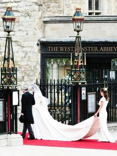 4/29/11 - A stunning shot of the Middletons walking through the gates of the Abbey.