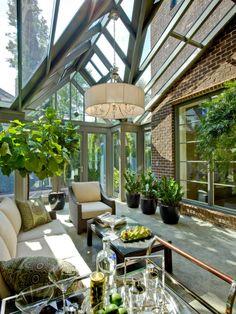 wintergarten terrassenverglasung hängepflanzen hausbar