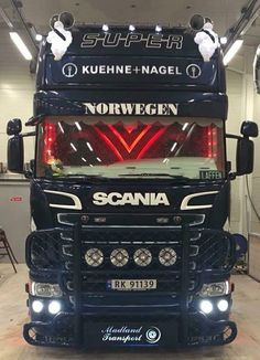 SCANIA//////// Scania V8, Cool Trucks, Cars And Motorcycles, Norway, Transportation, Automobile, Vehicles, Night, Lent