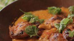 Rendimento1 porções Ingredientes- 4 Steak de Entrecot de 250g cada- 1 colher de sopa de sal grosso- 2 folhas de louro cortadas em tirinhas- 1 col ...