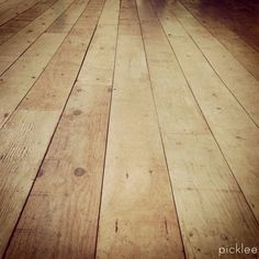 Farmhouse wide plank floor tutorial, done using PLYWOOD! Been trying to figure out how to do plywood floor and this is IT! If it looks as good as I hope, Im doing it everywhere! - Daily Home Decorations Wide Plank Flooring, Diy Flooring, Plywood Floors, Flooring Ideas, Basement Flooring, Hardwood Floors, Laminate Flooring, Hardwood Plywood, Do It Yourself Furniture