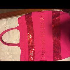 Victoria secret tote bag Cute VS tote, perfect for overnight trip, good condition Victoria's Secret Bags