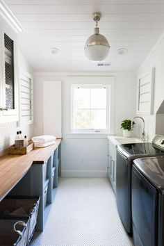 What makes the perfect laundry room Design by Studio Mcgee Often laundry rooms are cramped and cluttered. Mudroom Laundry Room, Laundry Room Layouts, Laundry Room Remodel, Laundry Room Cabinets, Laundry Room Organization, Laundry Room Design, Laundry Storage, Laundry Room With Sink, Organizing