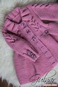 Tricot - patrons et patrons: Cardigans tricotés pour tricot - Вязание – модели и схемы: Вязаные кардиганчики дл… Tricot – patrons et patrons: cardigans tricotés pour petites princesses – idées Crochet For Boys, Knitting For Kids, Easy Knitting, Crochet Baby, Knit Baby Sweaters, Girls Sweaters, Cardigans, Baby Cardigan, Baby Knitting Patterns