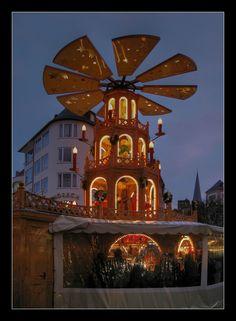Glühweinbude... von Nikonjoe