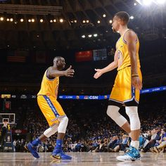 The @warriors make history becoming the 1st NBA team to begin a season 16-0! #undefeated  by nbacanada