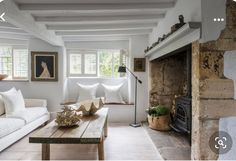 French Living Rooms, French Country Living Room, Cottage Living Rooms, Cottage Interiors, Living Room Decor, Modern Country, Cozy Living, Anton, Dining Room Furniture Design