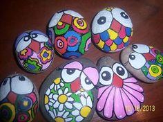 Piedras pintadas a mano Turtle Painting, Pebble Painting, Pebble Art, Stone Painting, Rock Crafts, Crafts To Make, Arts And Crafts, Rock Painting Patterns, Rock Painting Designs
