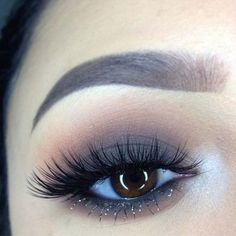 39 Easy Eyeshadow Looks - Smokey Eye Glam - Natural And Simple Step By Step Tutorials on How to Apply to the Brows and Lashes - Makeup Tricks, Make up for Eyebrows, and Beauty looks Similar to Linda Hallberg - https://thegoddess.com/eyeshadow-tutorials-for-beginners/