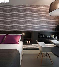 Via Casa de Valentina www.casadevalenti... #decor #interior #design #print #bedroom #gray #casadevalentina