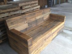 wood pallet furniture | Stained Pallet Sofa | Reclaimed Wood Furniture from Pallets #palletsofa