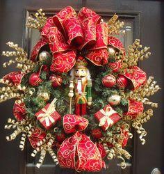 Guirlande de Noël de casse-noisette, Mantel guirlande, couronne de porte Design, couronnes de Noël, couronne de casse-noisette, rouge et or